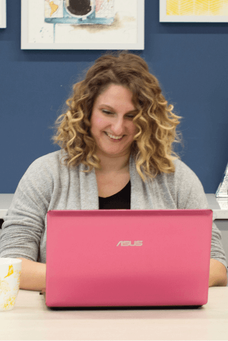 alicja ciesielska in front of the laptop